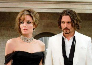 """Анджелина Джоли и Джони Деп Талантливите актьори не успяли да се сработят на снимачната плошадка на """"Туристът"""" през 2010. Тя е разочарована от формата му и от това, че не иска да си отреже косата заради филма."""