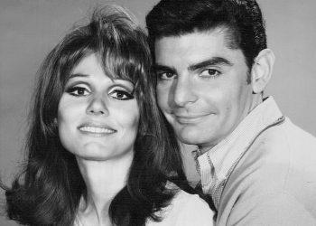 """Тя и той""- 1967/Wikipedia/CBS"