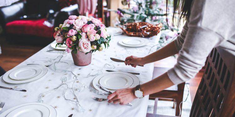 Вкусните тайни на уютните вечери вкъщи с приятели