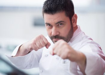 Шеф Виктор Ангелов: Търся великани в кухнята