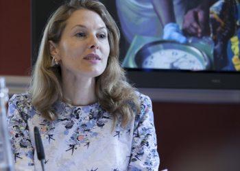 Сара Бътлър. Сара Бътлър от Тексас може би не изглежда най-вероятна съпруга на принц от Близкия Изток, но благодарение на брилянтното си образование и кариера, включваща офисите на ООН, тя намира щастието в лицето на принц Зейд бин Ра'ад Зейд ал Хусейн, престолонаследник на Ирак. Омъжва се за него през 2000 година. Имат три деца и живеят в Ню Йорк, където принцеса Зайед работи като върховен комисар на ООН по правата на човека. (снимка: flickr)