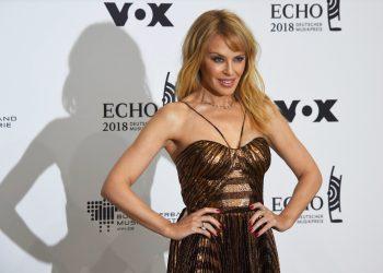 Кайли Миноуг на 52 – прелестна като бутилка свежо Rosé