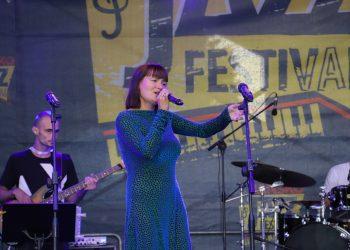 Рут Колева отпразнува срещата с публика на живо на Банско Джаз Фестивал